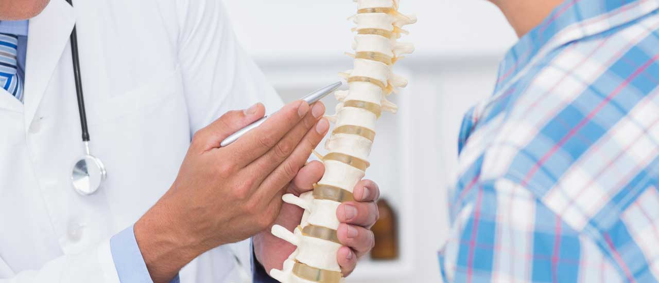 15 Best Spine Surgeons in India