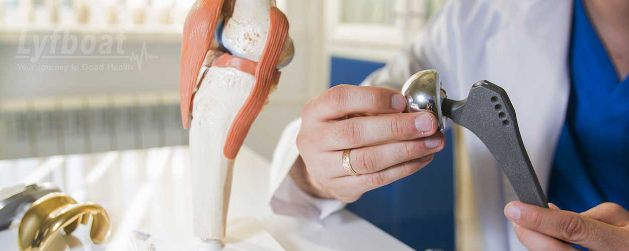What are the first signs of needing a hip replacement?